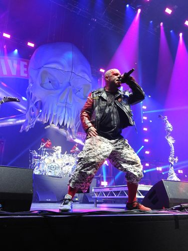 Five Finger Death Punch La Rockhal 1